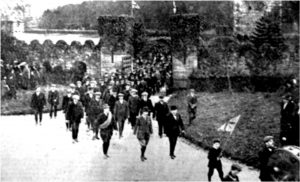 newry-volunteers-on-parade-following-a-review-at-narrow-water-castle-1914